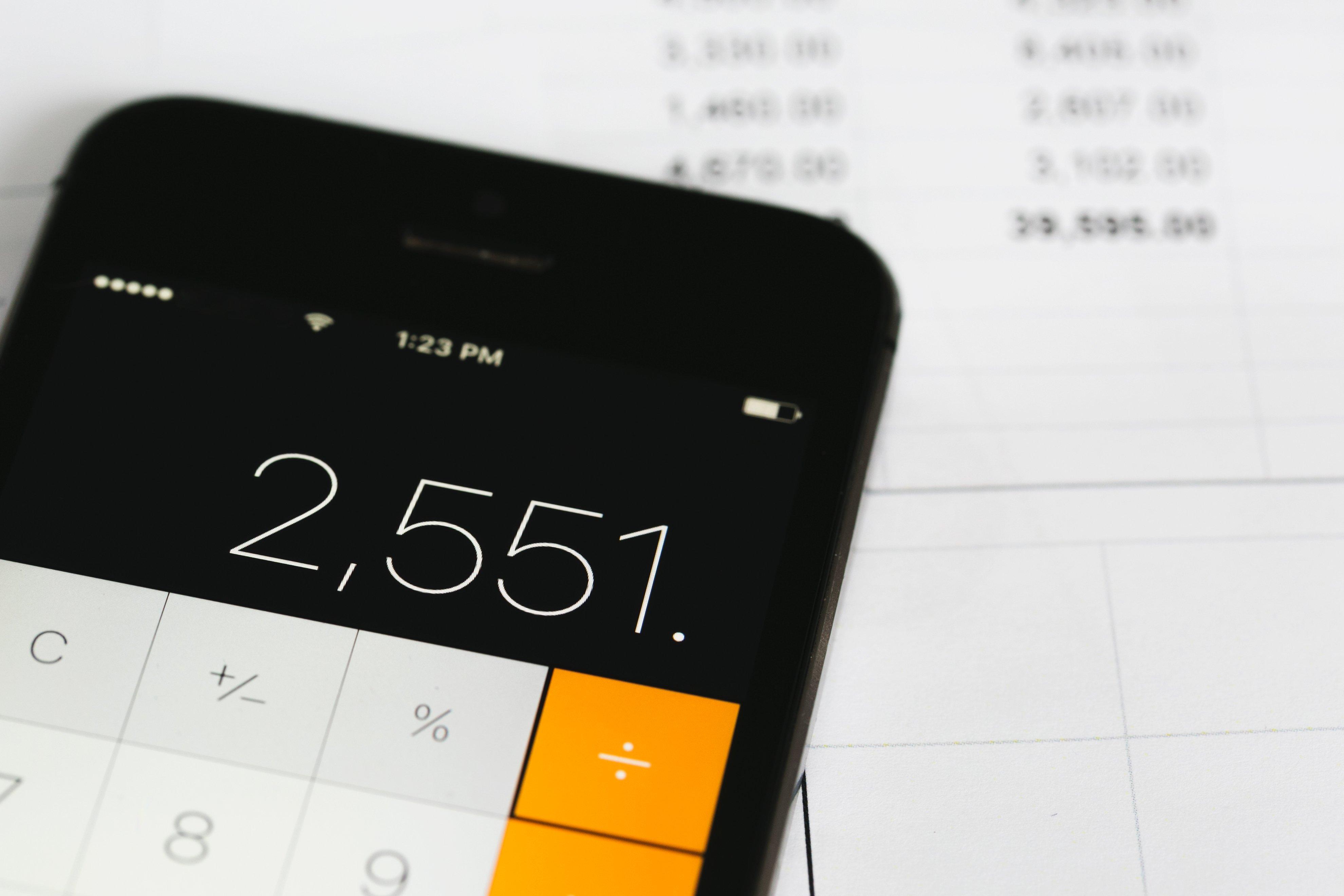 calculating-bills_4460x4460